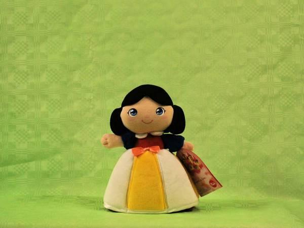 Bambola Biancaneve Trudi 2